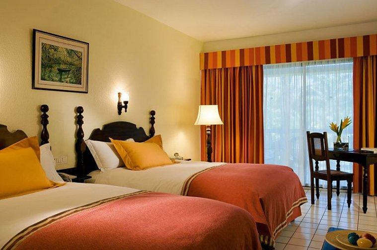 Hotel martinique bakoua zilea hotel et location en for Hotels 3 ilets